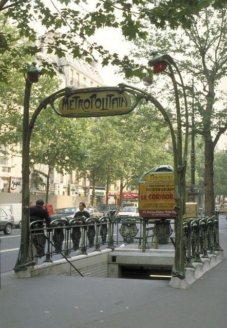 Entrance Gate to Paris Subway (image courtesy of artsy.net)